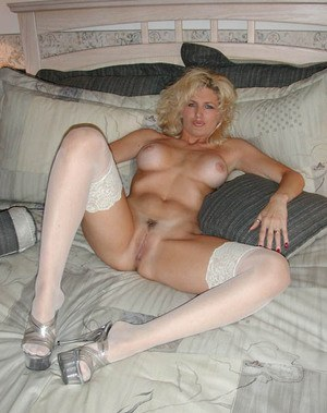 sexy naked adult women